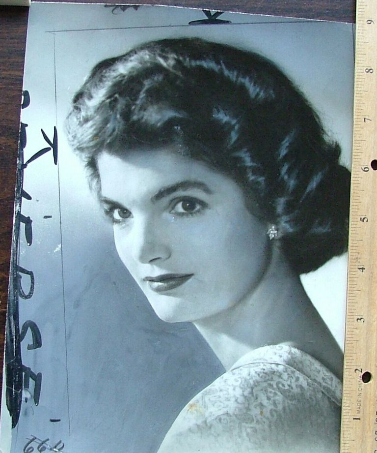 Jacqueline Kennedy, 7 x 9 glossy publicity photo by Glogau for newspapers or magazines. Dated on back Jun 25, 1953