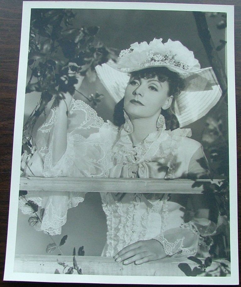 Greta Garbo 13 x10 Matte Finish Photo by Clarence Bull Double Weight Photo 1933