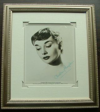 Audrey Hepburn - 8 x 10 signed photo