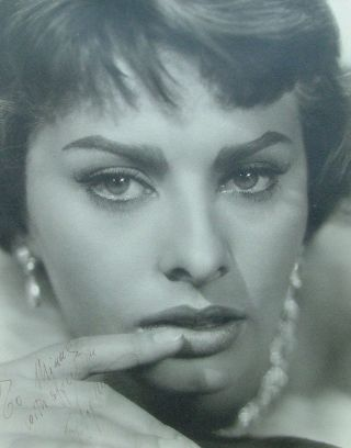 "Sophia Loren - Signed 11"" x 14"" matte f inish, close up photo, framed. Fine condition"